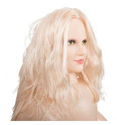 Vášnivá blondínka LUCY